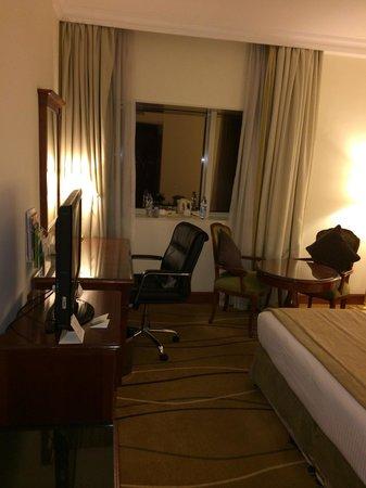Holiday Inn Downtown Dubai : Room