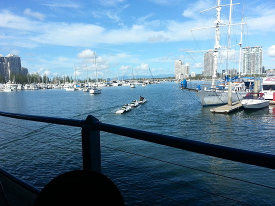 Fisherman's Wharf Tavern: Right on the water.