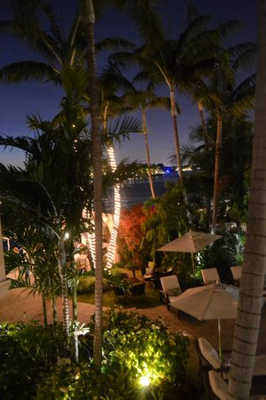 The Pillars Hotel Fort Lauderdale : Evening view from room