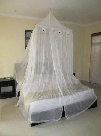 Bali Ayu Hotel : Bed