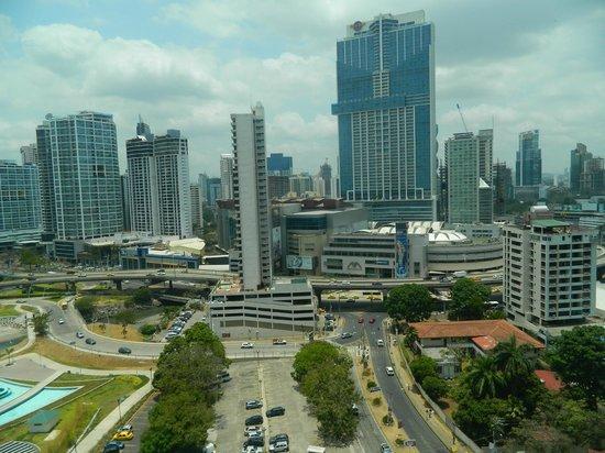 Plaza Paitilla Inn: Sector moderno de la ciudad