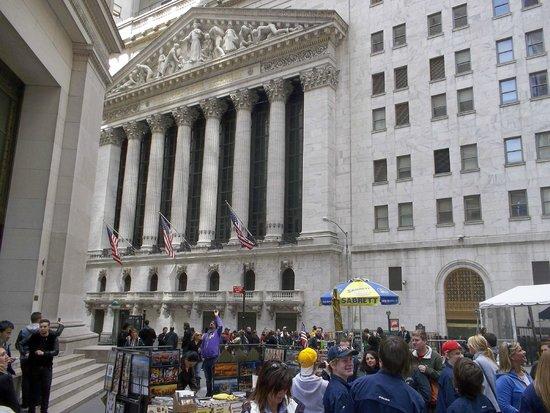 Wall Street : Para poder admirar los edificios de este distrito se recomienda ir los fines de semana.