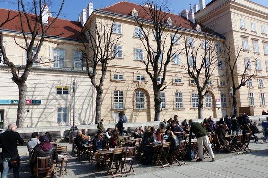 MuseumsQuartier Wien: Museum Quarter Wien
