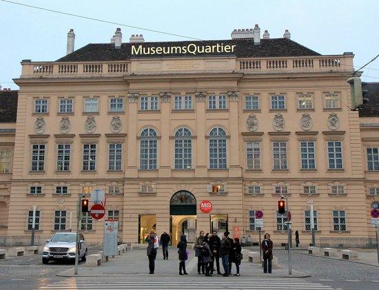 MuseumsQuartier Wien: Museum Quarter in Vienna (2)