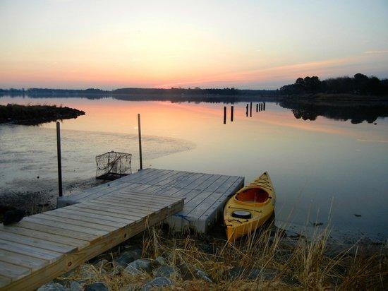 Wades Point Inn on the Bay : sunrise