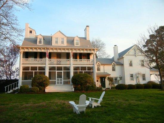 Wades Point Inn on the Bay: house