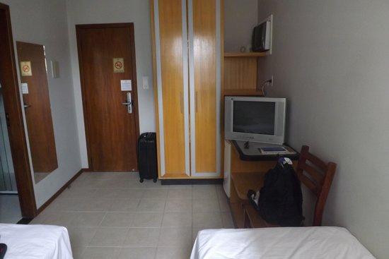 Hotel Melo: Móveis Antigos