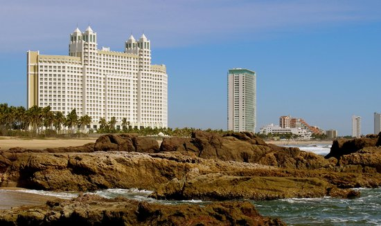 Hotel Riu Emerald Bay: view from Playa Bruja