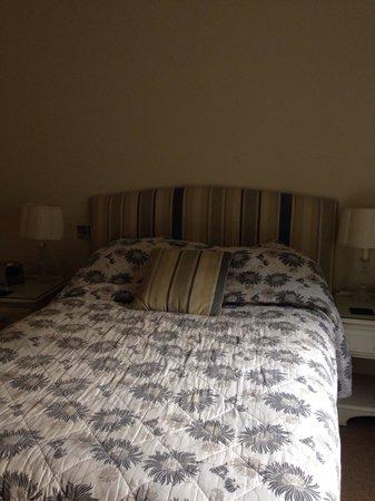 Statham Lodge Hotel: Very comfy bed in room 26