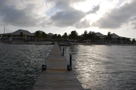 Holiday Inn Resort Grand Cayman: resort from the dock