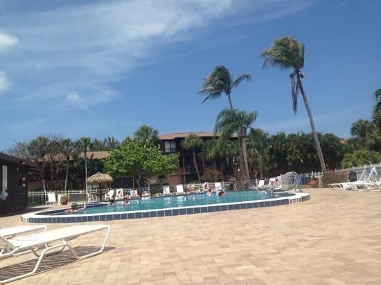 Blind Pass Condominiums: poolhäng