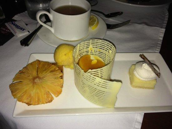 Bern's Steak House : A vanilla dessert extravaganza!