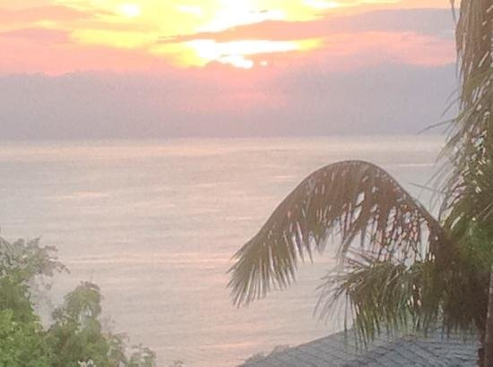 Tulemar Resort: Sunset from our balcony.