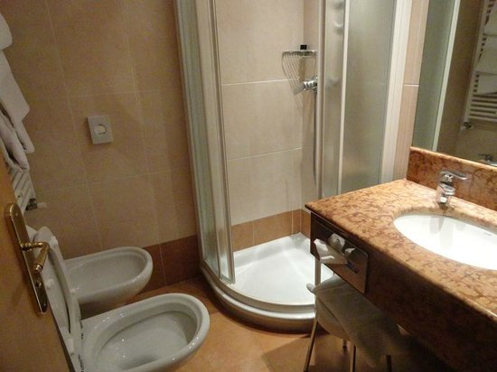 Hotel Tritone : Baño