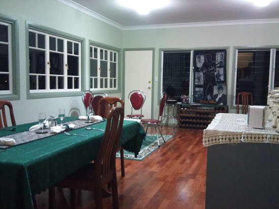 Murphys Bed and Breakfast: Dining and Common Area