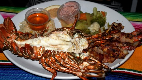 Mr. Lionso Playa Bruja: the best lobster and shrimps ever