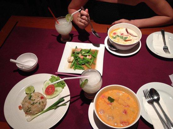 Pan Yaah Thai Restaurant: ...