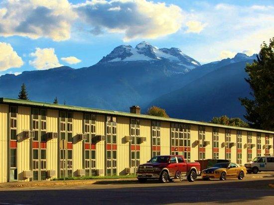 Photo of Powder Springs Inn Revelstoke