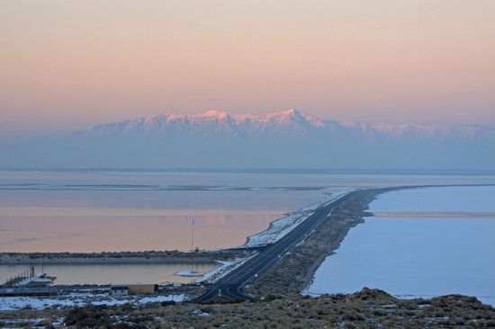 Antelope Island State Park : Road from Antelope Island back to Layton