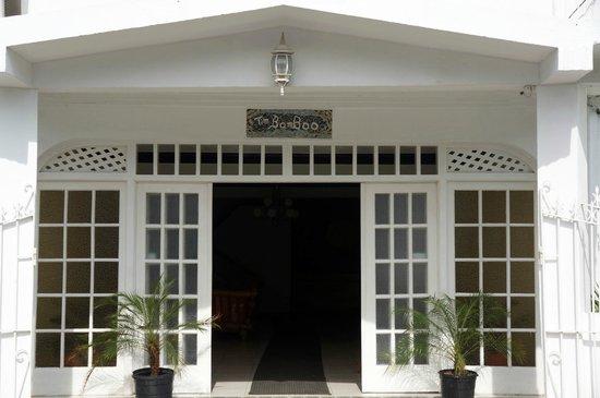 هوتل تيم بامبو: Hotel Tim Bamboo
