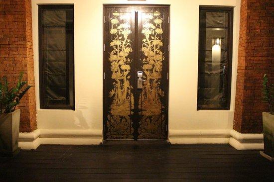 Dara Samui Beach Resort : entrance to rooms