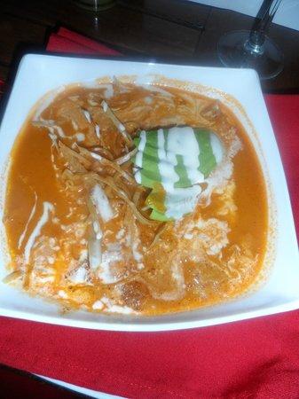 Real San Pedro: sopa azteca