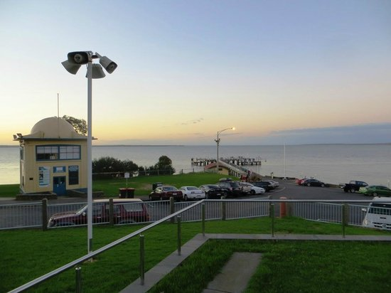 Phillip Island Apartments: Cowes Warf a 5 minute walk