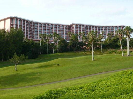 Fairmont Southampton : the hotel