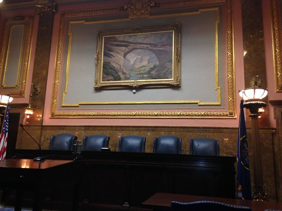 Utah State Capitol: Art in the courthouse room