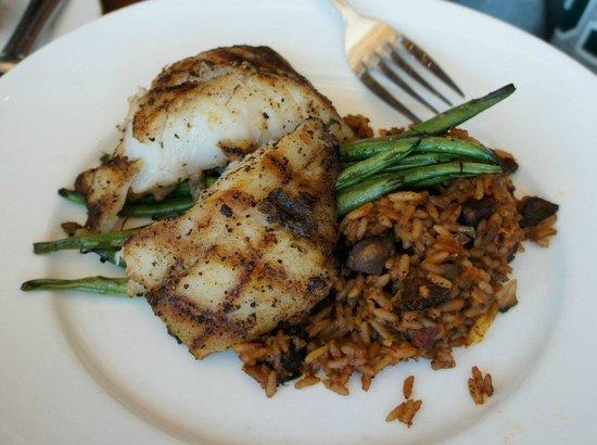 Cobalt The Restaurant: Grilled grouper