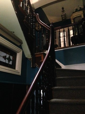 Philadelphia Bella Vista Bed and Breakfast: front room stairway