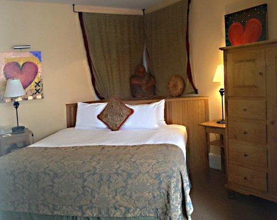 Las Palomas Inn Santa Fe: BED