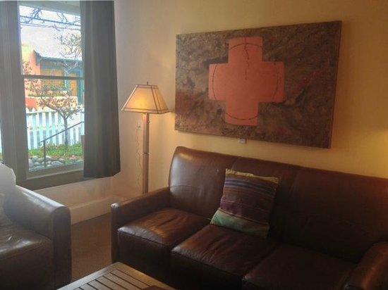 Las Palomas Inn Santa Fe: LIVING ROOM