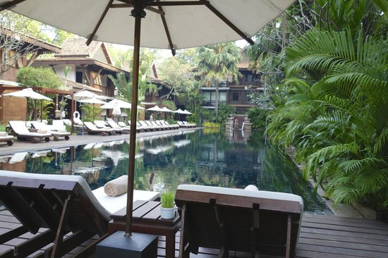 Belmond La Résidence d'Angkor : The Cool and Relaxing Pool Area