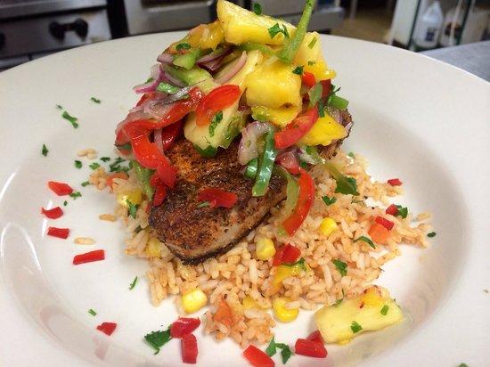 Flames Seafood Grill & Bar: Ahi Tuna topped with mango-pineapple relish