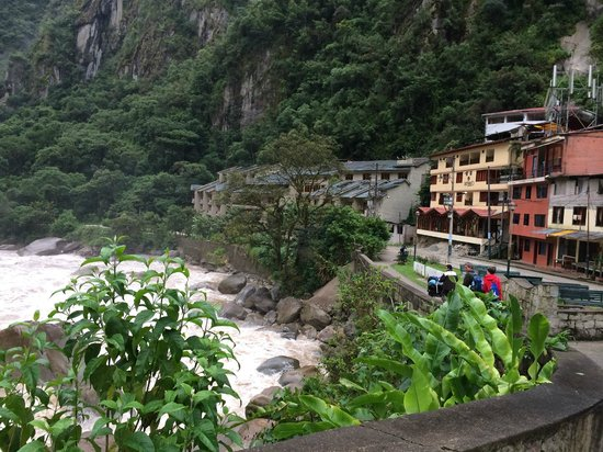 SUMAQ Machu Picchu Hotel: Hotel is last building on the road