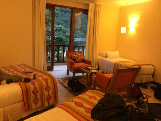 SUMAQ Machu Picchu Hotel: Room comfortable for two adults and two teen boys