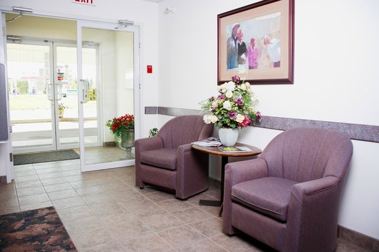 Country Club Inn : Front desk