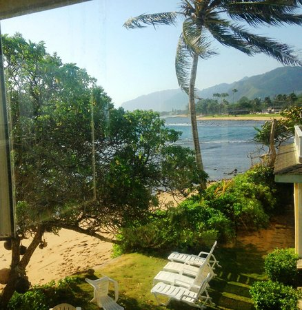 Hale Ko'olau : View from the master bathroom window!