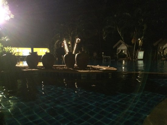 Ramayana Koh Chang Resort: Abends am Pool
