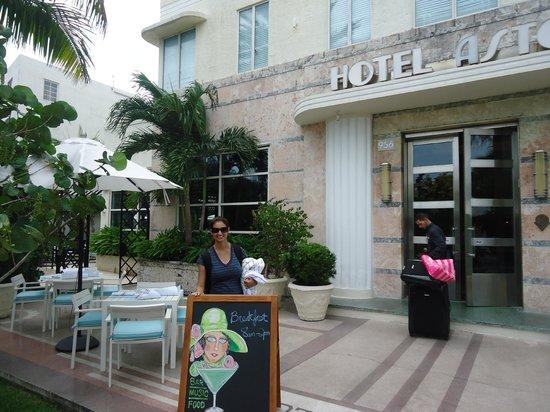 Hotel Astor: Entrance