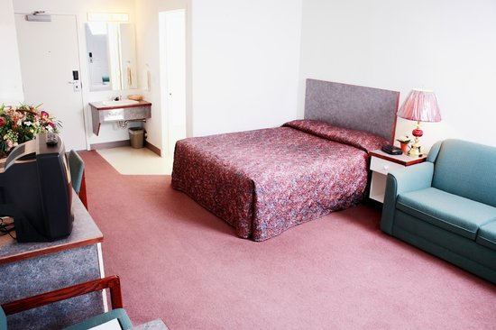 Country Club Inn: Single room