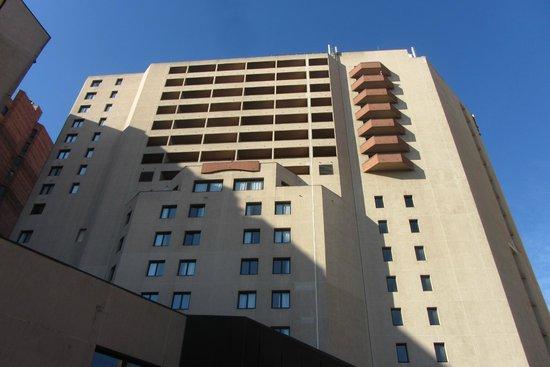 Adagio Toulouse Parthenon : Arrière de l'hôtel