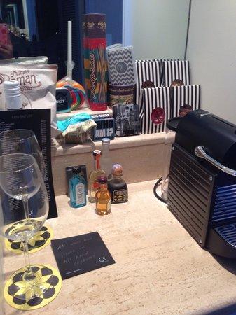 QT Gold Coast: Mini bar
