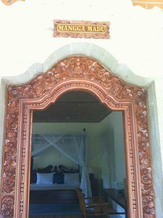 Kebun Indah: Entrance to room