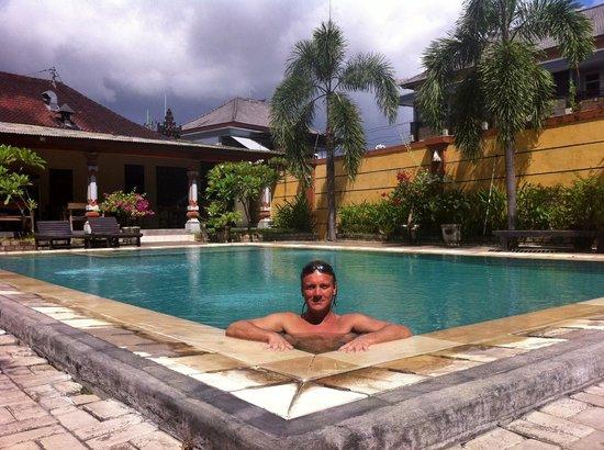 Beneyasa Beach Inn: Swimming pool is only one good thing