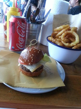 Hello Harry Maroochydore: Kids burger with a side of Onion Rings