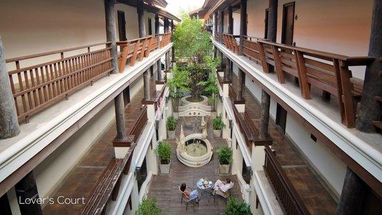 De Naga Hotel : Lover's Court