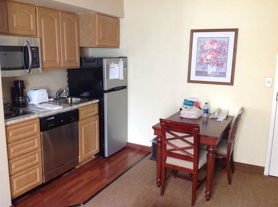 Homewood Suites by Hilton Atlanta-Peachtree Corners/Norcross : Basic kitchen needs