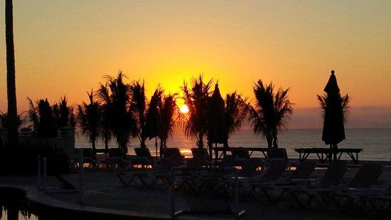 Barceló Gran Faro Los Cabos: sunrise